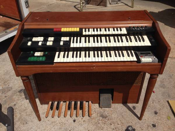 Wurlitzer ORGAN, Bell and Howell, Orbit II synthesizer 4026 $50 OBO - $50 (Houston)