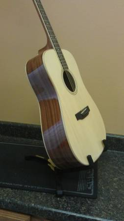 Best Acoustic Guitar for Your $$$ - $150 (ConroeWillisMontgomery)