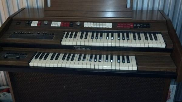 Baldwin Cabaret organ with Fun Machine and storage bench - $200 (Missouri City)
