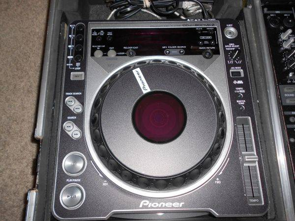 DJ Equip. Pioneer CDJ800MKIIs and Coffin Only - $1000 (Pasadena, TX)
