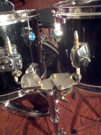 drums cb 700 - $150 (katy)