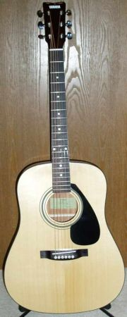 Barely used Yamaha FD01S Acoustic guitar - $100 (Spring Greenspoint)