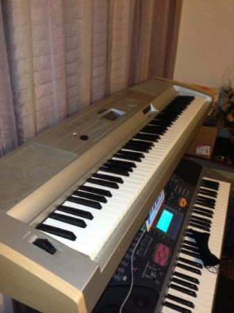 Yamaha DGX-500 Keyboard - $150 (Houston)
