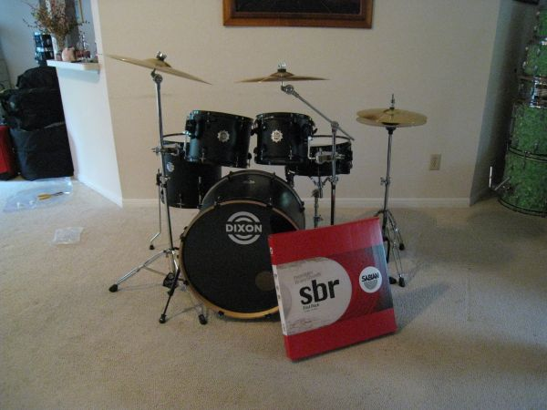 DIXON DEMON FIVE PIECE DRUM KIT - $495 (Kingwood)