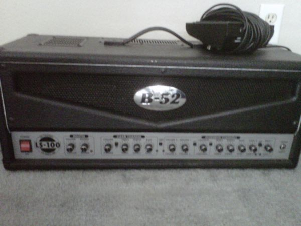 B-52 LS-100 Amp head and foot switch - $175 (League City)
