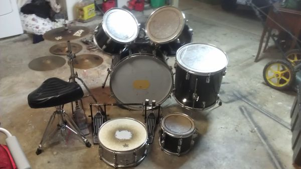Pearl Drum Set - 6 piece - $475 (Pearland)