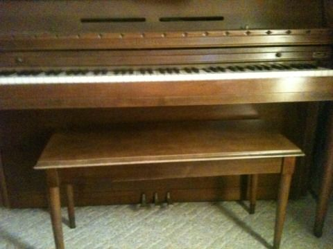 Kimball Consolette Piano - $500 (77389)