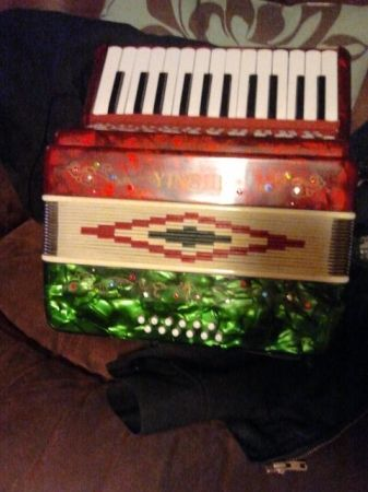yingjie accordion 250$