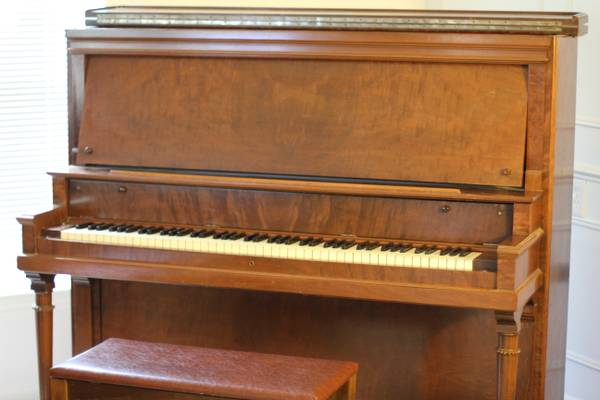 Classic upright piano-C Kurtzmann and Co., manufactured prior to 1920 - $300 (Spring)