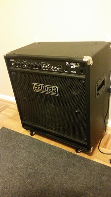 Fender Bass Amp 150W -  300