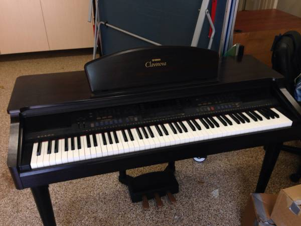 Yamaha clavinova electric piano for sale ASAP - x0024250 (The woodlands)