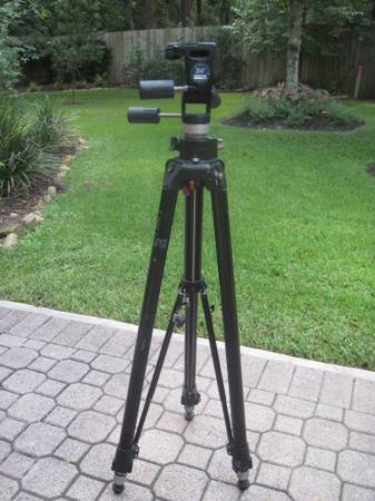 Bogen Professional 3251 Tripod w3047 Head - $175 (The Woodlands, Tx)