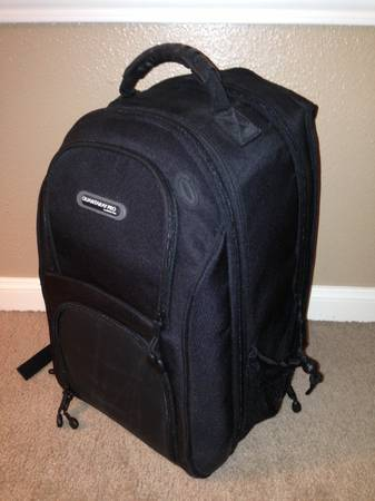 QUANTARAY PRO CAMERA BACKPACK - $45 (Katy, TX)