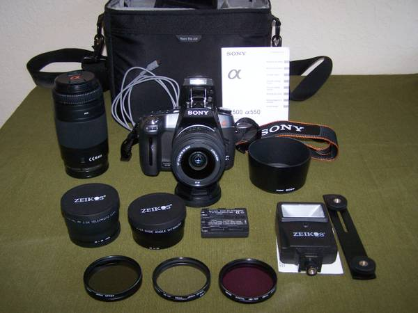 Sony Alpha 550 DSLR and accessories - $500 (Katy tx)