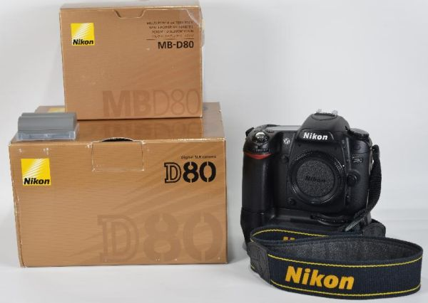 Nikon SLR D80 Hand Grip MB-D90 18-55mm Lens - $380 (NW Houston)