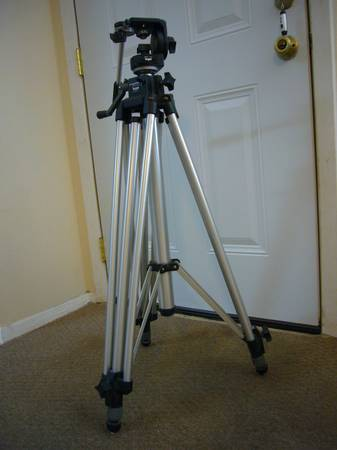 Bogen 3046 Professional (Video)Tripod for sale - $90 (Sugar Land 77479)