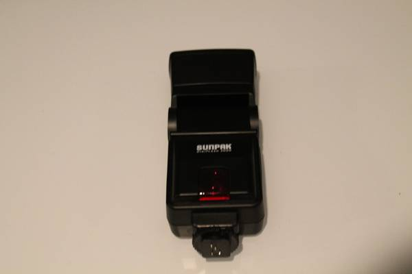 FLASH FOR NIKON CAMERAS - SUNPAK DIGIFLASH 3000 - $30 (1960 and TC Jester)
