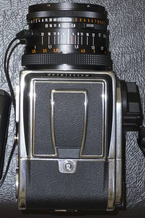 Hasselblad 500cm in mint condition -   x0024 200  Houston