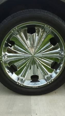 22 Inch 5 lug universal rims for sell - $1 (Houston lake jackson)