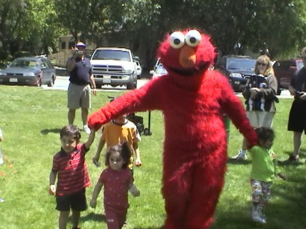 Kids Party Costume Characters Elmo Yo Gabba Dora Explorer Princess (All Houston Area )