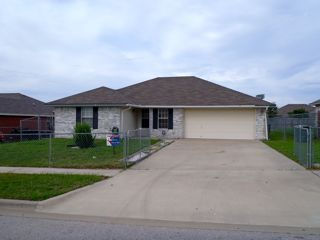 $1000 3br - Spacious 3 bedroom home