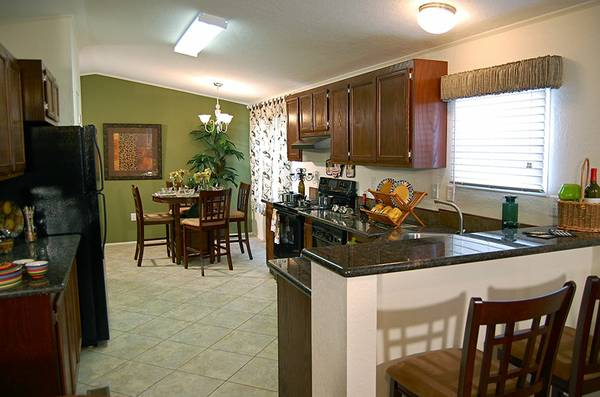 TOP OF THE LINE SINGLEWIDE FOR SALE (SOLITAIRE HOMES TEMPLE TX)
