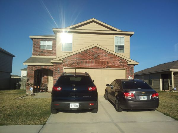 $13001350 4br - 2032ftsup2 - 4 BR, 3 Bath, 2 Living Areas, PET FRIENDLY (Trimmier Estates)