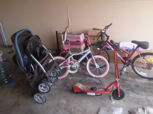 3 bikes, and electric razor scooter and girl scooter (killeen)