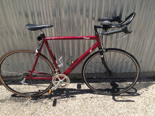 Cannondale R900 road bike - $400 (Temple)