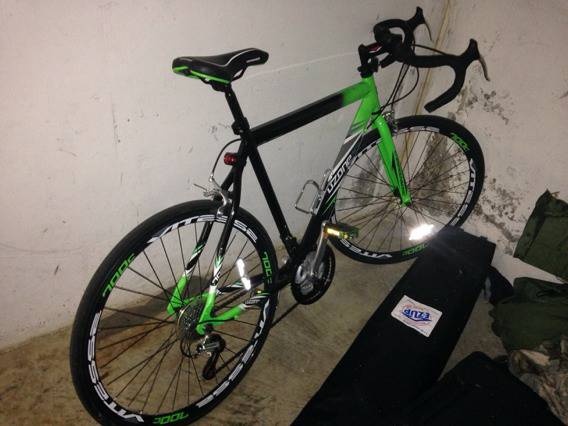 Ozone road bike - $120 (Fort hood)