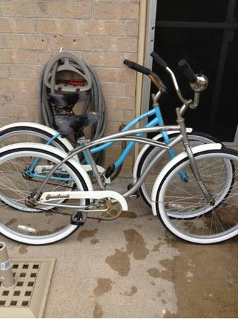 2 huffy beach cruiser bikes - $100 (Fort Hood)