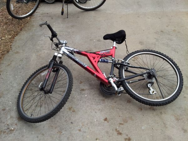 Red Mongoose XR100 bike - $20 (Killeen, TX)