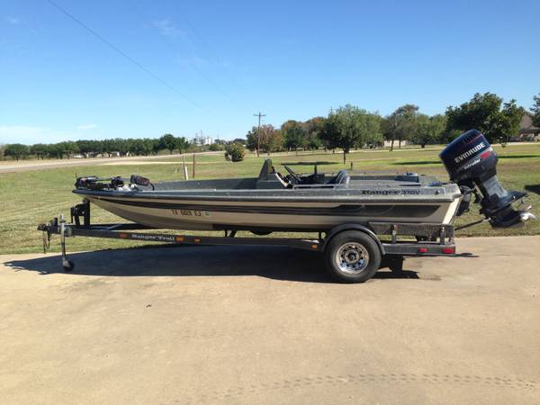 18  Ranger Bass Boat -   x0024 5300  Temple