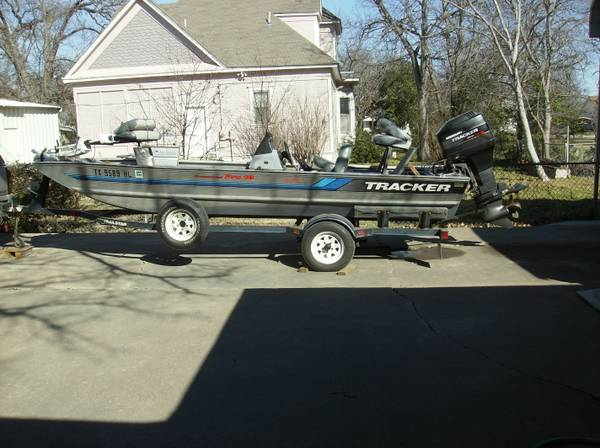 PRICED REDUCED Tracker Boat -   x0024 5559  Clifton
