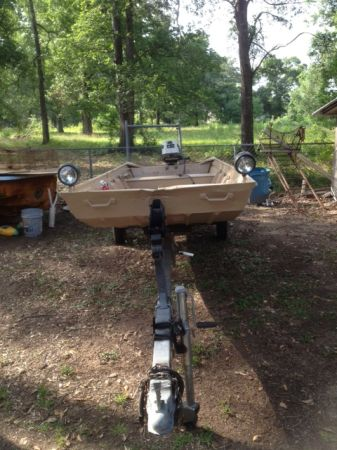 Flat bottom Boat deep and wide 16ft - $1500 (Conroe)