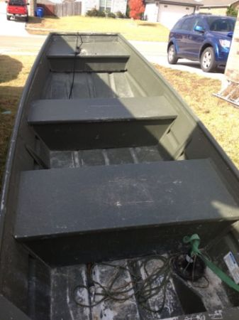 10 ft Alumacraft Jon Boat w trailer - $750 (Cove)