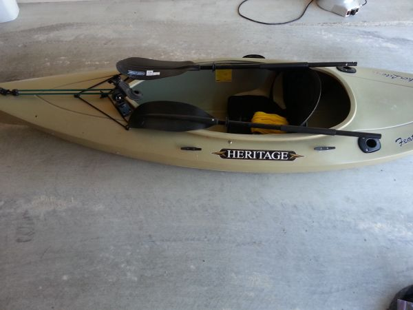 kayak with accessories - $250 (Temple)