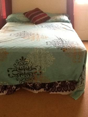 Full size bed with metress very low price -   x0024 90  Killeen