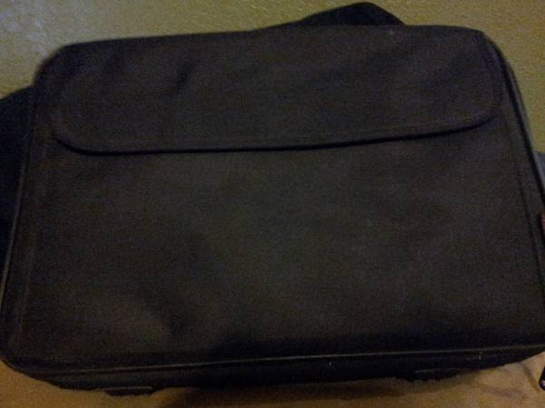 Laptop Carry Case -   x0024 10  Harker Heights
