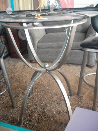 Bar Height Table w 2 chairs SUNDAY SALE $100 - $150 (LEANDER FLEA MARKET)