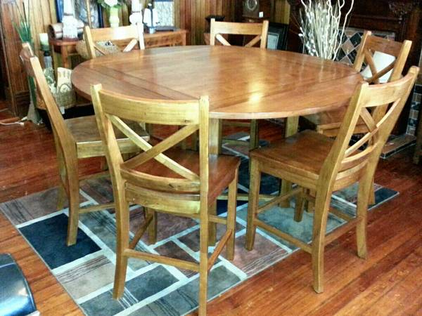 Oak Express Dining Table w6 Chairs.......Very Nice - $550 (Belton)