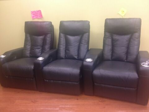 red or black Theater movie chairs - $500 (fort hood)