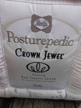2012 QUEEN SIZE SEALY POSTUREPEDIC CROWN JEWEL MATTRESS BOX SPRING - $200 (TEMPLE)