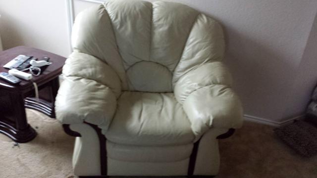 550  Italian leather furniture set for sale discounted price
