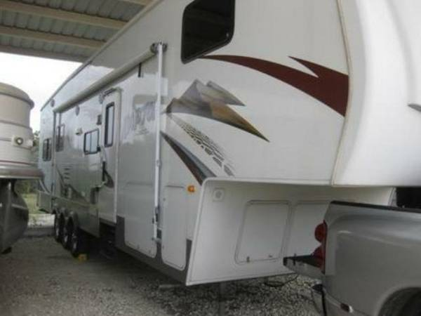 2008 Keystone Raptor 3600RL fifth wheel toy hauler  - $33000 (Waco)