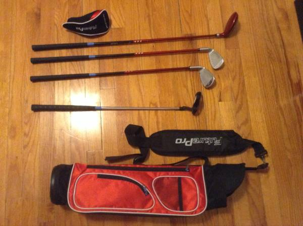 Right Handed TiTech Future Pro Childrens Golf Set - $30 (Fort Hood Killeen)