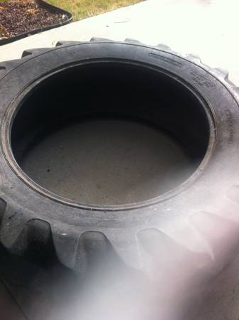 Selling a crossfit tire - $100