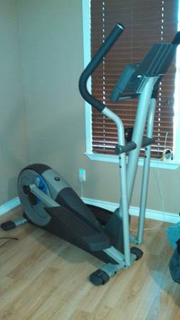 ProForm Elliptical Machine - $150 (Lasas)