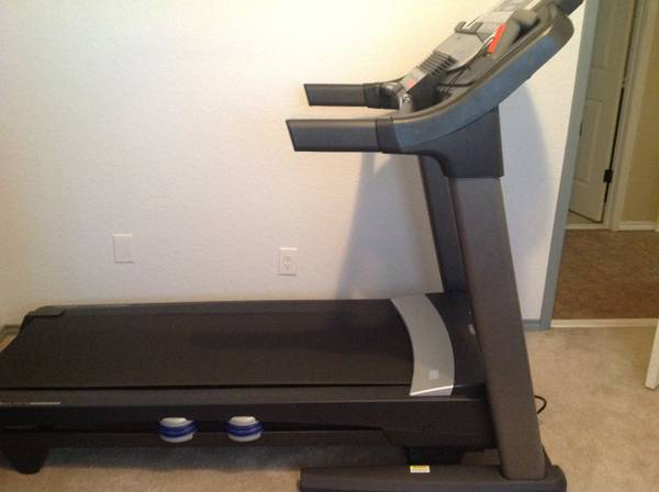 ProForm 790T treadmill less than six months old - $600 (Killeen )