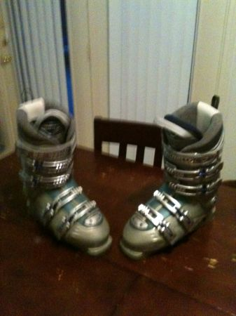 New Custom Heated Ski Boots - $65 (Ft. Hood)